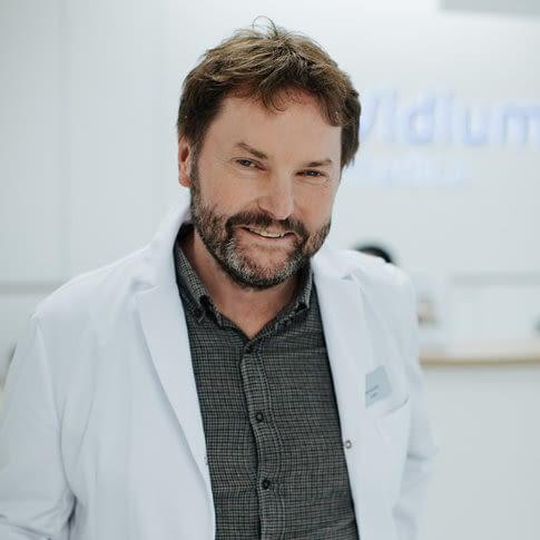 Piotr Krzywicki - okulista, chirurg
